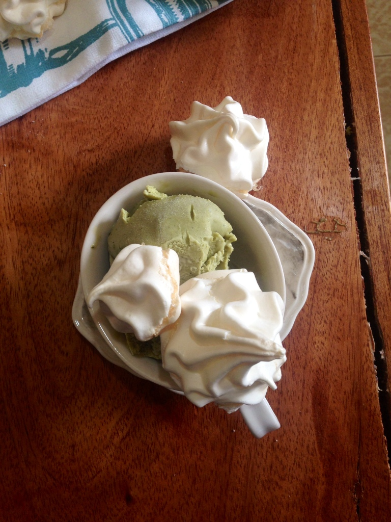 Here they are with the green tea ice cream. One idea on how to make these delicious meringues even more delicious!